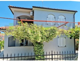 Apartmanska kuća, Prodaja, Fažana, Valbandon